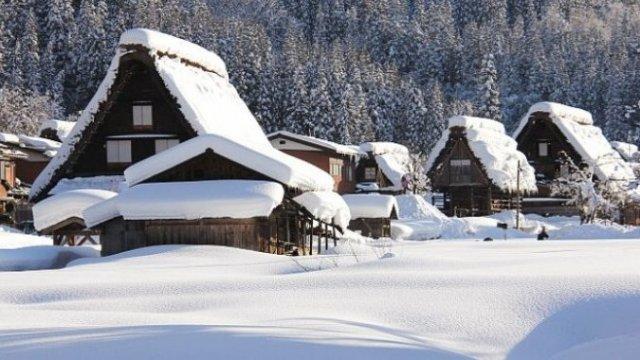 Самая снежная деревня на планете