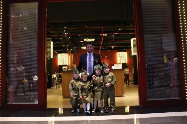 Празднование торжественного вечера в Дубае по случаю 9 мая