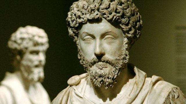 Скульптуру головы римского императора нашли в Египте