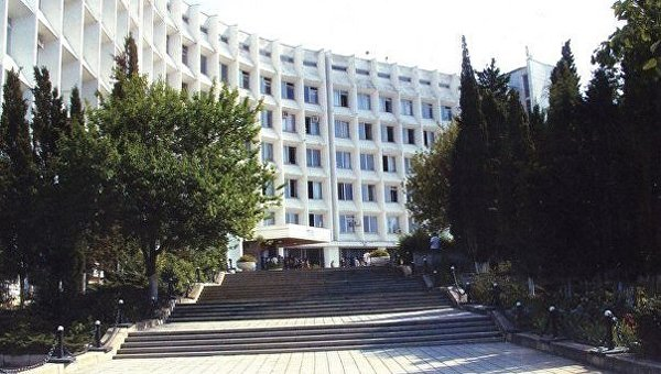 Студенты из Севастополя смогут получать дипломы университета Австрии