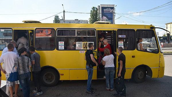"""""""Эталоны"""" и """"Богданы"""" исчезнут с маршрутов Симферополя к концу года"""