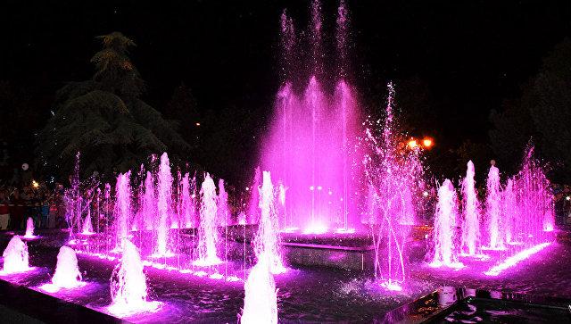 В Евпатории открыли новый световой фонтан