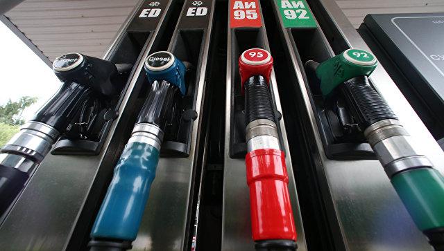 Крупнейшие нефтяные компании РФ готовы держать текущие цены на бензин в рознице
