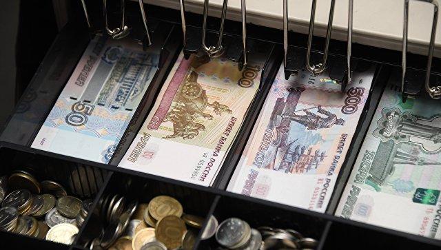 """В Крыму три женщины """"заработали"""" на незаконном обмене валют 10 млн рублей"""