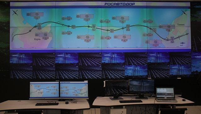 Путин ознакомился с системой управления движением на Крымском мосте