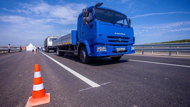 На автоподходе к Крымскому мосту протестировали российские беспилотные машины
