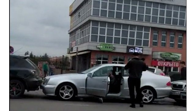 """""""Паровозом"""" по дорогам: массовое ДТП в Симферополе"""