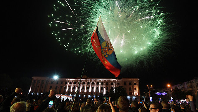 Фотофакт: праздничный салют в честь Дня Победы в Симферополе