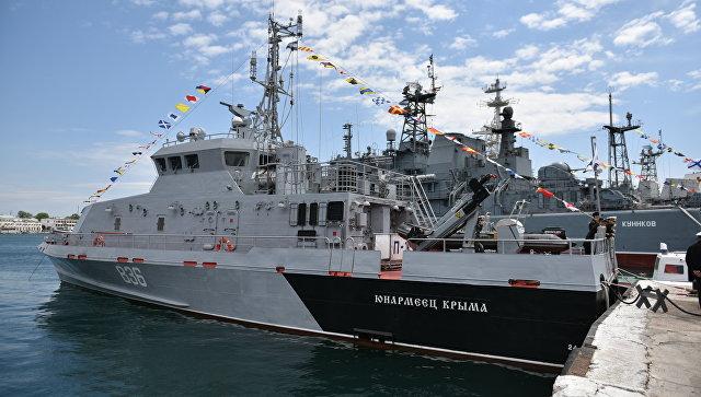 235 лет Черноморскому флоту: парад, пушечный залп из XIX века и боевые корабли