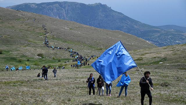 Чтобы помнили: около 1,5 тысяч крымских татар поднялись на Чатыр-Даг