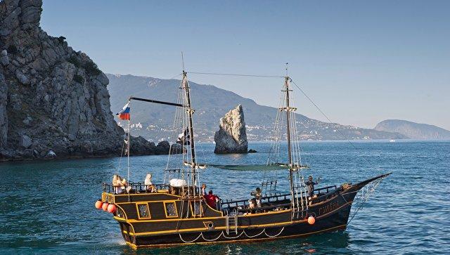 Желанный полуостров: более трети россиян мечтают об отпуске в Крыму