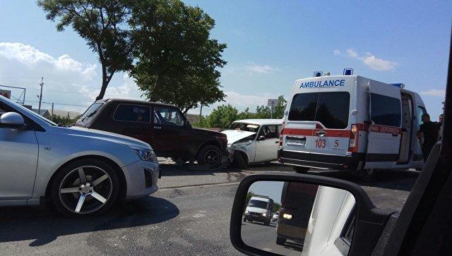 Массовое ДТП на выезде из Симферополя: столкнулись четыре авто