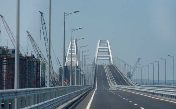 Рейсовые автобусы по Крымскому мосту пока не идут