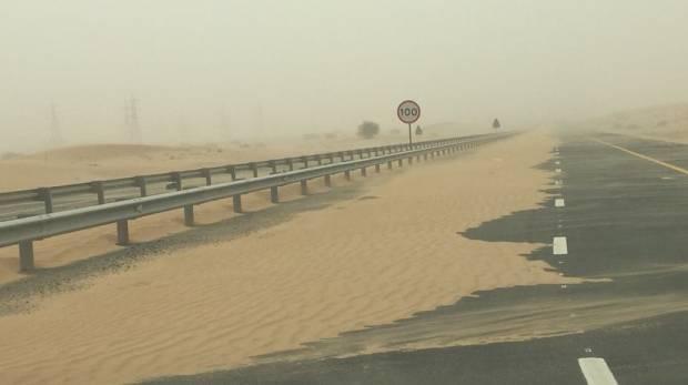 Пыльная буря окутала ОАЭ