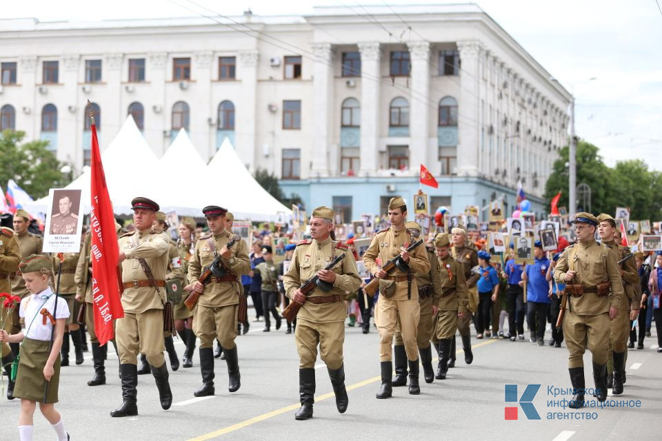 Более 52 тысяч человек в Симферополе приняли участие в Параде Победы