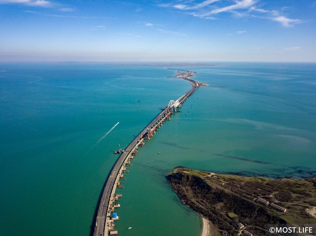 СМИ: Путин хочет открыть Крымский мост 15 мая