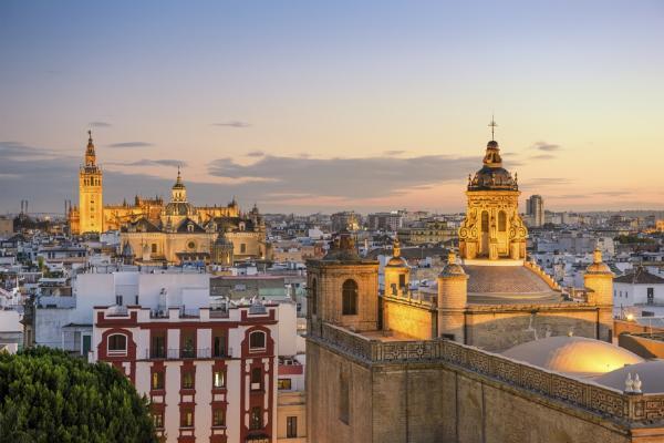 Турпоток из России в Испанию в марте вырос на 13%