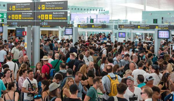 Из-за забастовок отменено более 10 рейсов из Москвы в Европу
