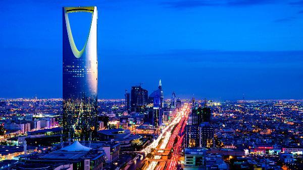 Саудовские власти будут выдавать визы иностранцам за один день