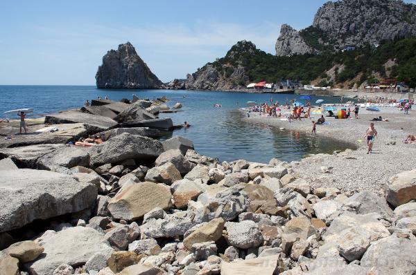 В Крыму жители потребовали открыть доступ к пляжам в поселке Симеиз