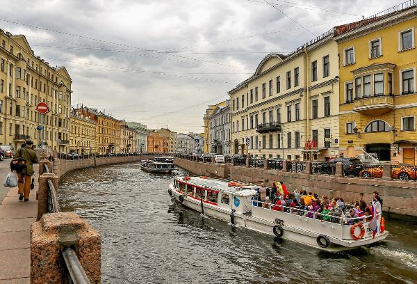 Airbnb составит конкуренцию экскурсоводам в Санкт-Петербурге