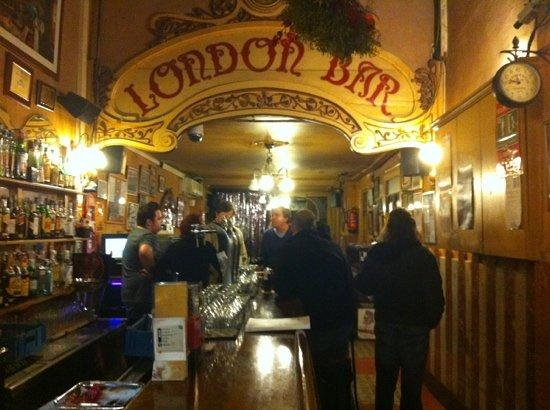 Владелец цирка Ралуй снова открывает легендарный London Bar в Барселоне