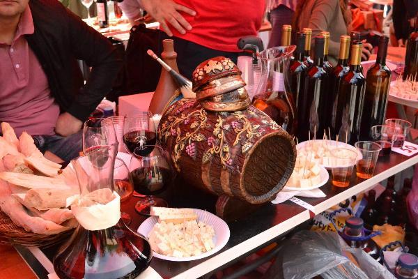 В фестивале в Тбилиси приняли участие более 200 производителей вина