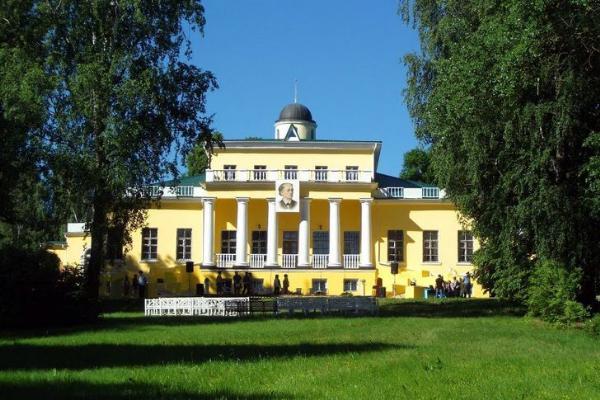 Театрализованными экскурсиями и мастер-классами отметит «Ночь музеев» Брянская область