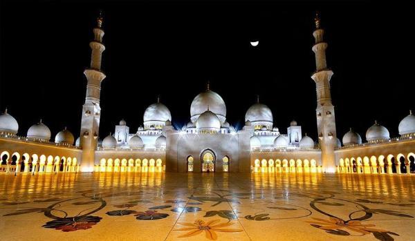 В ближайший месяц туристы в ОАЭ останутся без ночных развлечений