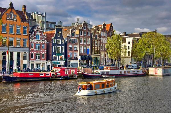 Власти Амстердама хотят поднять туристический налог