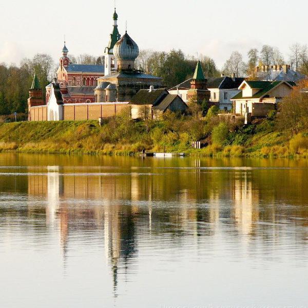 Старая Ладога в Ленинградской области приняла первый пассажирский лайнер на новом причале