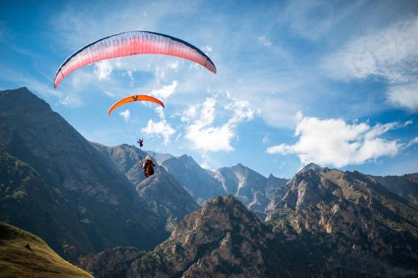 Туристам на курорте «Архыз» предложат полеты на параплане