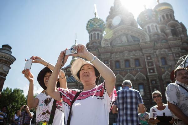 Полтавченко отметил рост турпотока из Китая в Петербург