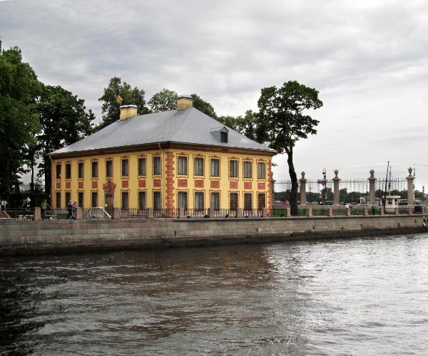 Открыт после реставрации Летний дворец Петра I в Петербурге