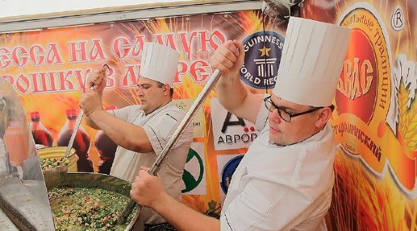 Приготовленная на Кубани окрошка из 1,5 тонн кваса вошла в Книгу рекордов России