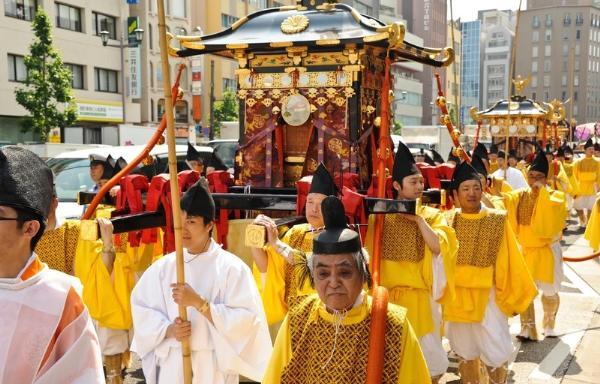«Санно Мацури»: один из крупнейших фестивалей Японии проведут в Токио