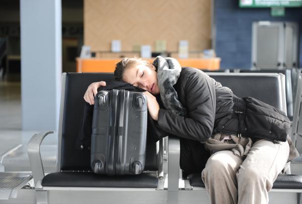 Компенсации пассажирам за задержки международных авиарейсов повышены с 27 мая