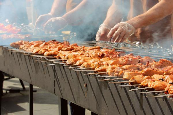 Летний сезон в Свердловской области откроют Фестиваль барбекю и «Покровский рубеж»