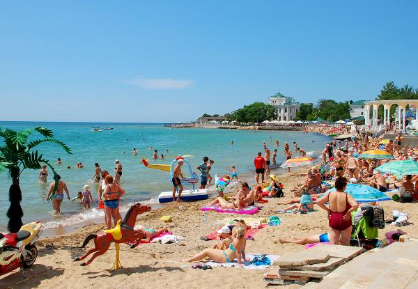 Не все крымские пляжи успеют получить санэпидзаключения к началу туристического сезона