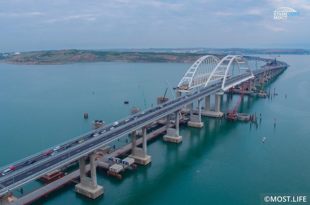 МВД РФ получило ряд сообщений о минировании Крымского моста