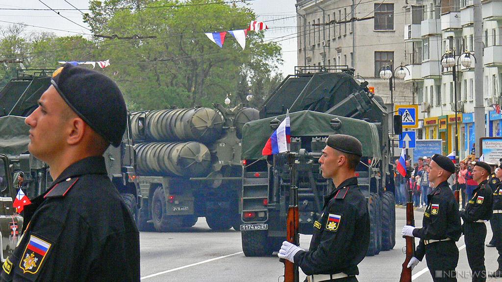 День Победы в Крыму: военные парады, «Бессмертный полк», салют и «Рио-Рита»