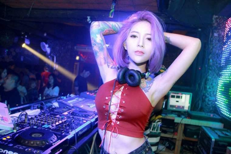 Знаменитый DJ Katoy арестован в ночном клубе Паттайи