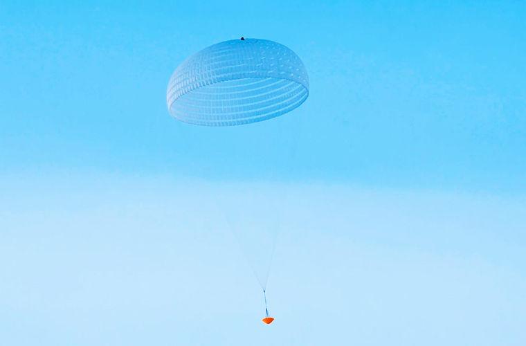 Самый большой парашют в мире прошел первые испытания