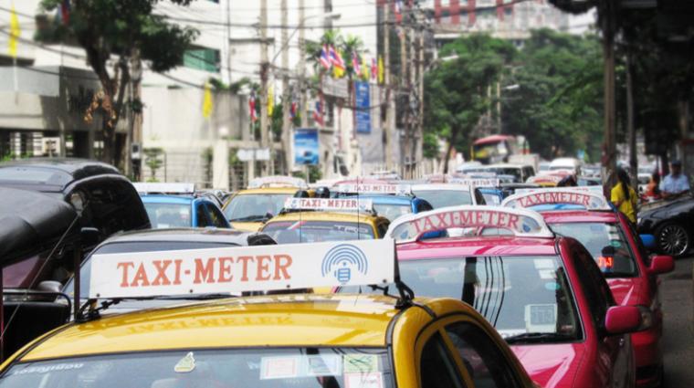 Такси или туалет: Китаянка испражнилась прямо в такси в Бангкоке