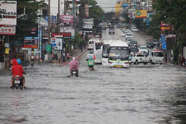 Начало сезона дождей в Паттайе повлекло за собой наводнение