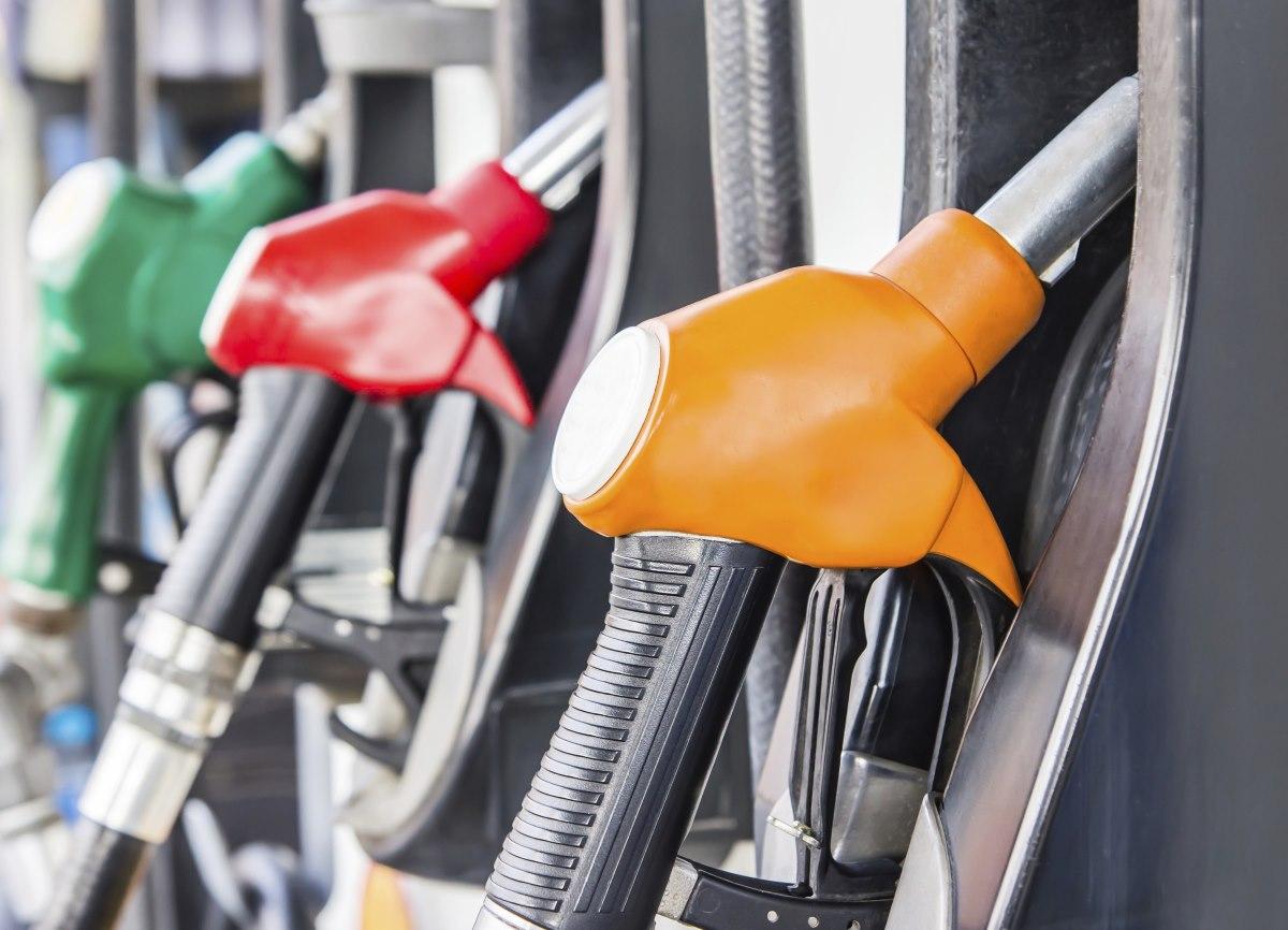 Пока мост не достроят, цены на бензин в Крыму не снизятся