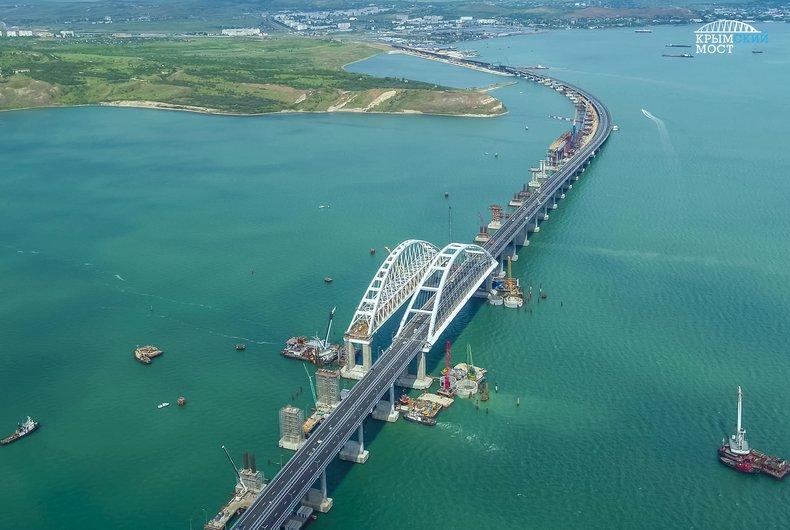 За первые сутки по Крымскому мосту проехало более 20 тысяч транспортных средств
