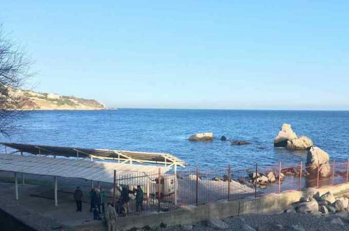 Жители Симеиза требуют открыть доступ к пляжам
