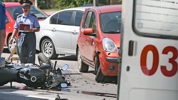 В Джанкое столкнулись ВАЗ и мотоцикл: пострадала женщина