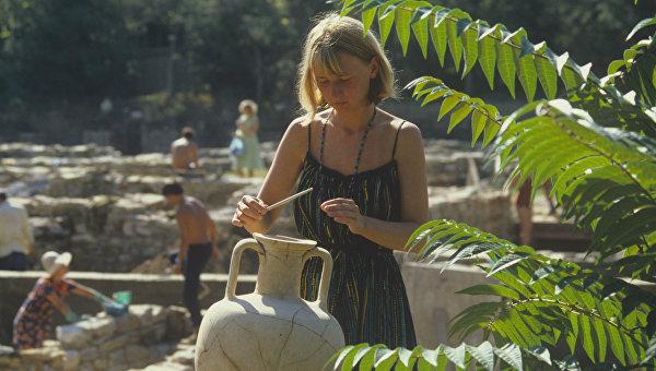 Археологи из Европы и США ежегодно приезжают на раскопки в Крым